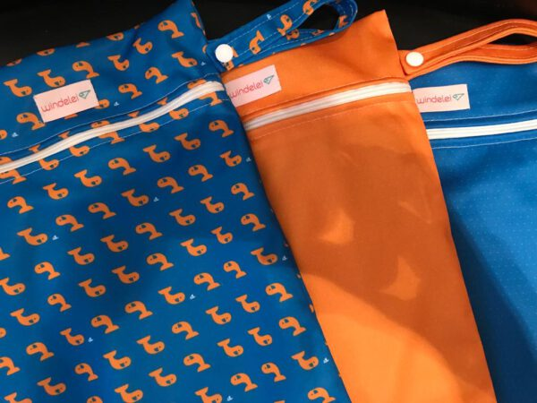 Nasstaschen dunkelblau/orange